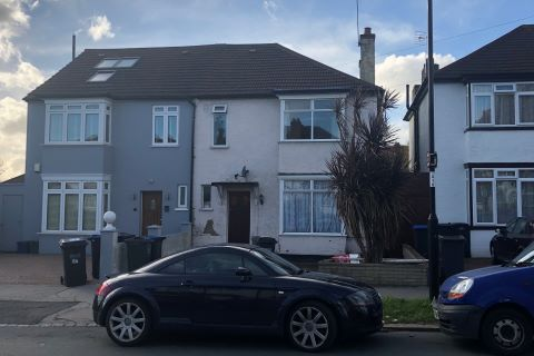 Property for auction in Surrey)