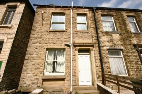 Example Auction Property in Huddersfield, West Yorkshire, HD4