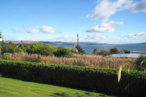 Property for auction in Dunbartonshire)