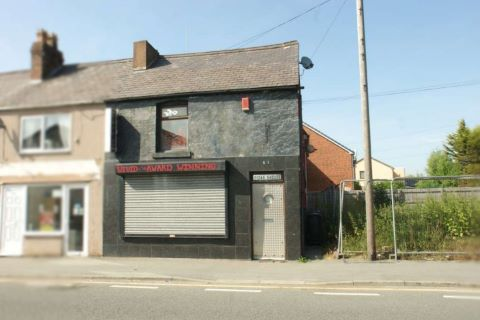 Property for auction in Clwyd)