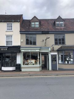 Property for auction in Worcestershire)